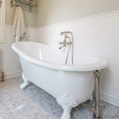 clawfoot tub installed in inverness bathroom